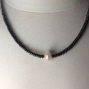Jewelry - Hematite and Baroque pearl Choker necklace